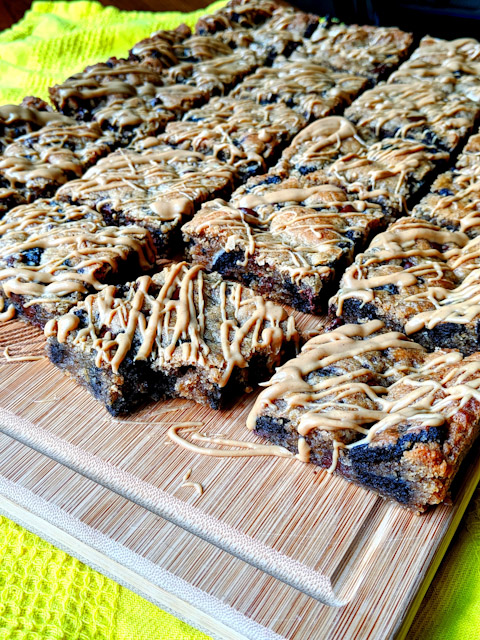 Peanut Butter Oreo Bars Recipe! Dairy-free & Vegan