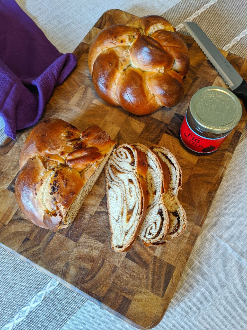 fig swirled challah bread